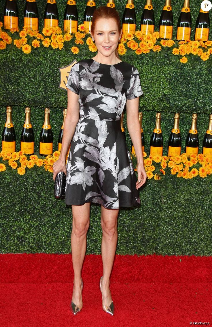Katie lowes long wavy casual hairstyle thehairstyler com - Darby Stanchfield La 6 Me Soir E Annuelle Veuve Clicquot Polo Classic Pacific Palisades