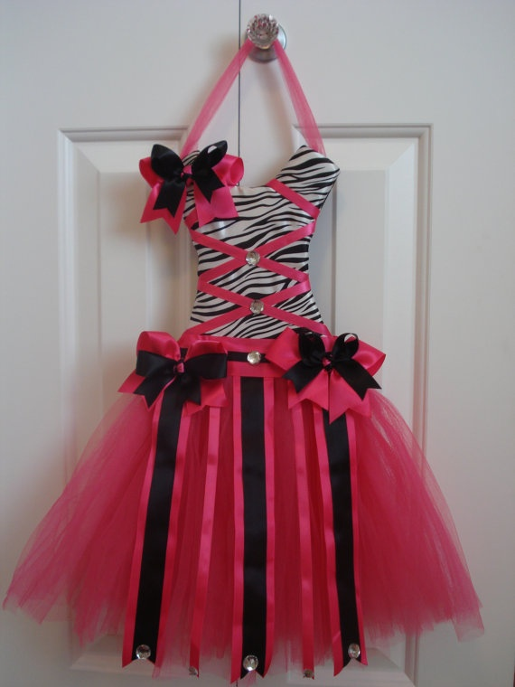 Hot Pink and Zebra Tutu Bow Holder - Idea for Kas' bathroom to hold bows.