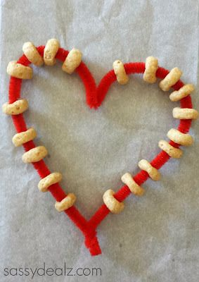 Heart Pipe Cleaner Bird Feeder Craft For Kids - Sassy Dealz