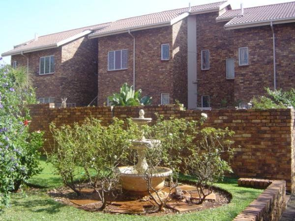 2 bedroom house in Monument Park, , Monument Park, Property in Monument Park - S746877