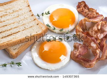 Fried eggs - very round, bacon and toasts #eggs #fried #bacon #round