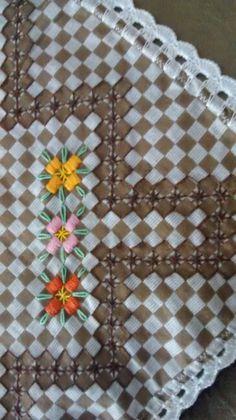 Broderie Suisse, Chicken scratch, Swiss embroidery, Bordado espanol, Stof veranderen...