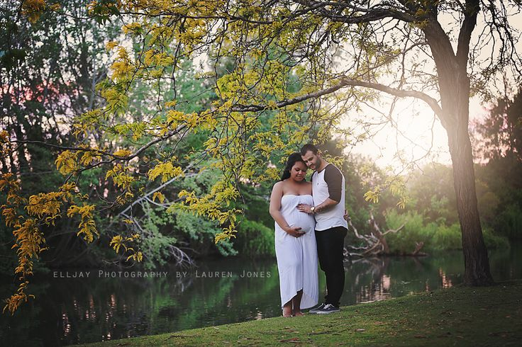 https://www.facebook.com/ElljayPhotograhy.LaurenJones