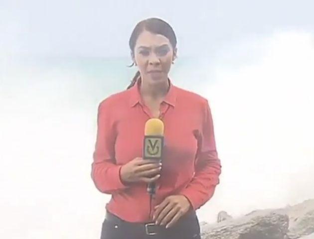 El momento en el que periodista de Venevisión casi es arrastrada por una ola (Video) - Venezuela Al Día