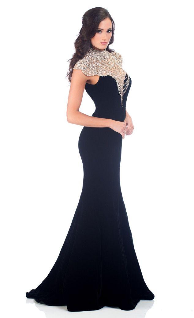 Love the dress! Carlyn Bradarich, Miss Iowa, from Miss USA 2014