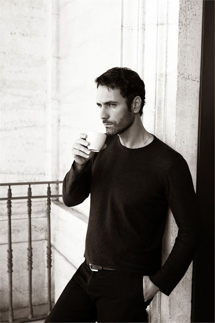 UOMO: RAOUL BOVA in Armani for Vanity Fair Italia www.dolcetirreno.blogspot.com