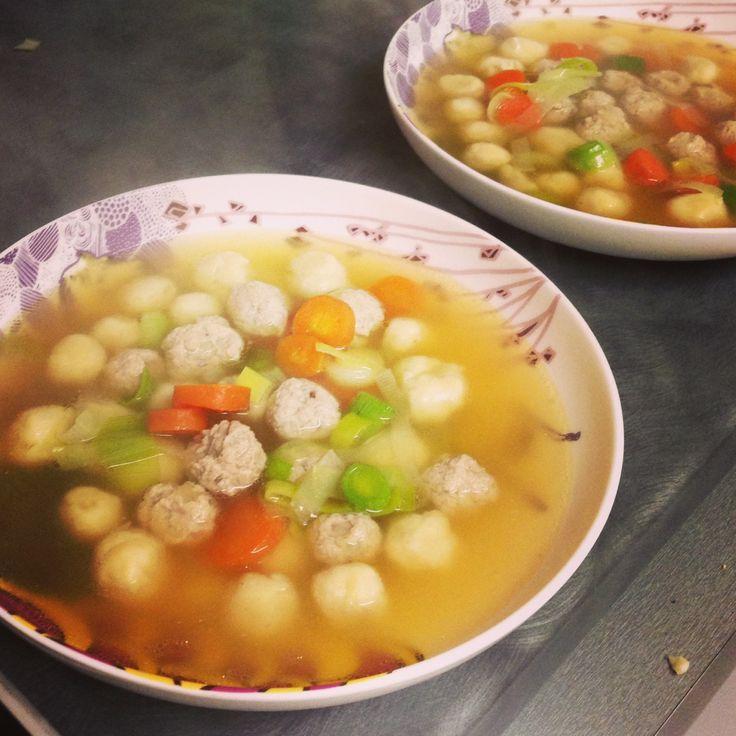 Kød og melboller suppe! keeps you warm on those cold, dark winter nights. Danish soup!