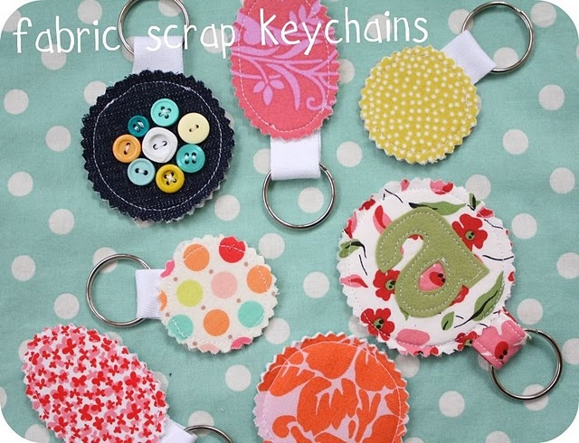 perfect for all my scraps: Fabric Keychain, Sewing Projects, Gift Ideas, Scrap Keychains, Fabrics, Craft Ideas, Diy, Fabric Scraps