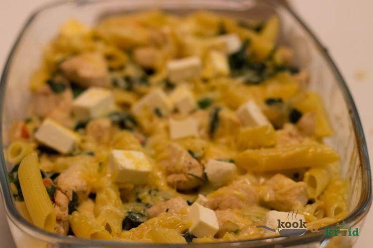 Pastaschotel met kip en spinazie