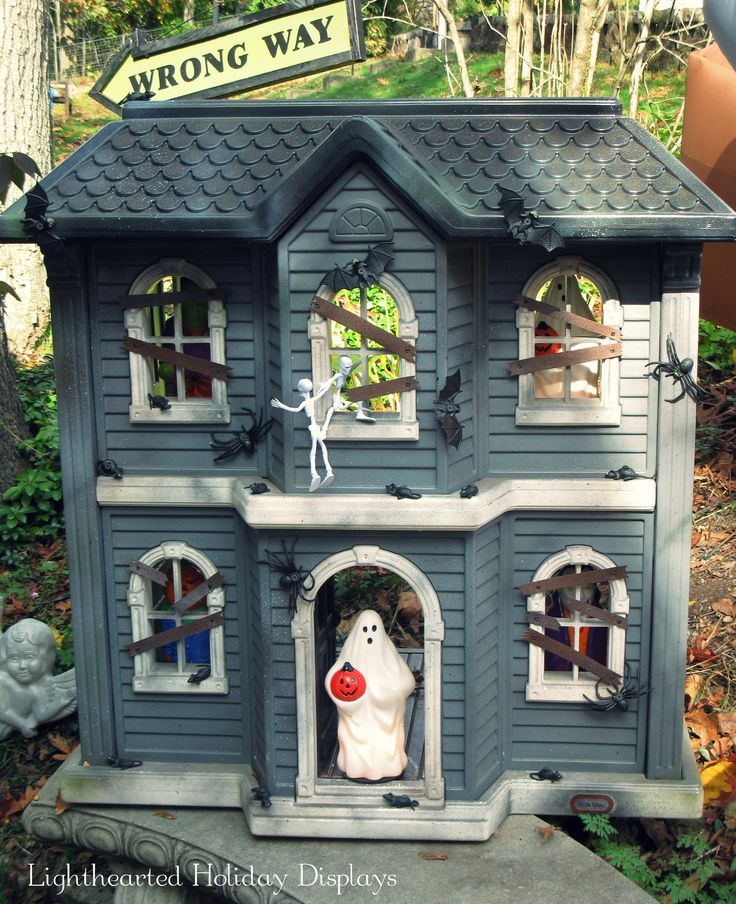 Haunted Dollhouse ~ a repainted/repurposed pink Little Tikes dollhouse.