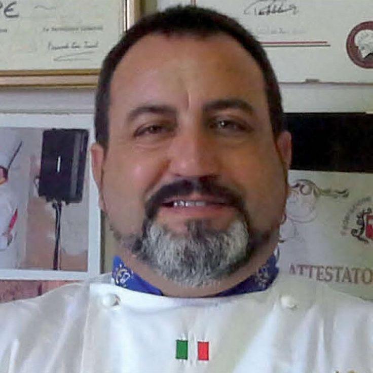 Lo chef Giuseppe Triolo è innamorato della sua Sicilia, tanto da dedicarle gran parte del suo lavoro come chef. Maestro di cucina, quasi storico dell'alimentazione, dal 1985 a oggi l'obiettivo del …