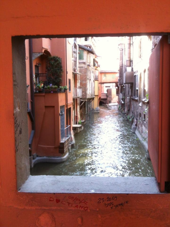 One of the secrets of Bologna, the canal window.