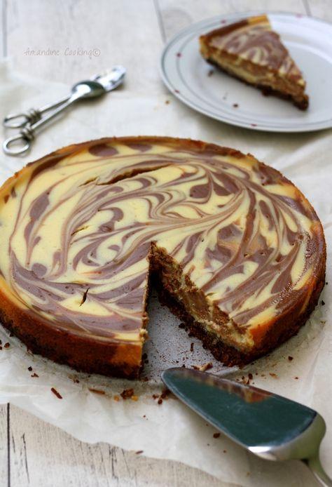 Cheesecake marbré au chocolat au lait et chocolat blanc.