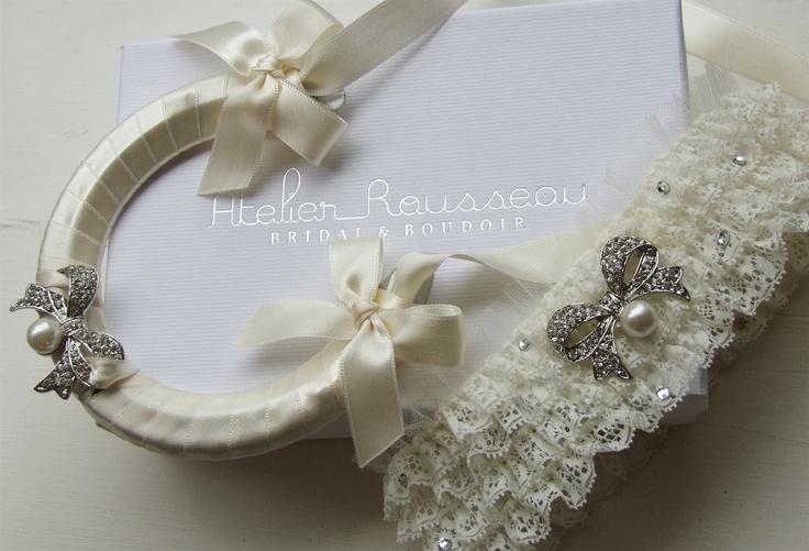 #wedding #bridal #horseshoe #lucky #goodluck #bridalshower #gift #keepsake #vintage #bow #bouquet #garter
