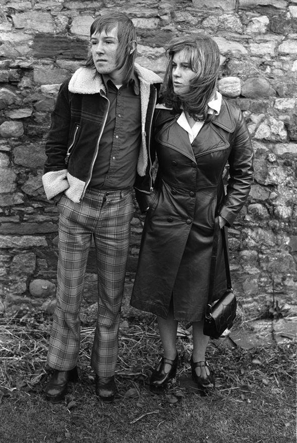 Margaret et Barry Kirkbride, couple d'adolescent à la mode, Workington, Cumbrie, 1975. © Homer Sykes