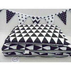 Pościel dziecięca w stylu scandi -  Czarne trójkąty - www.betulli.pl