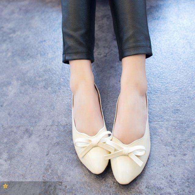 Весна лето женщины лодка обувь офис леди свободного покроя рабочий квартиры галстук бабочка сладкий полиуретан лакированная кожа обувь женщина jl008 купить на AliExpress