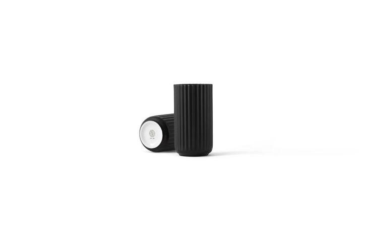 Lyngbyvasen_Porcelain_Black_15cm_LyngbyPorcelain_01