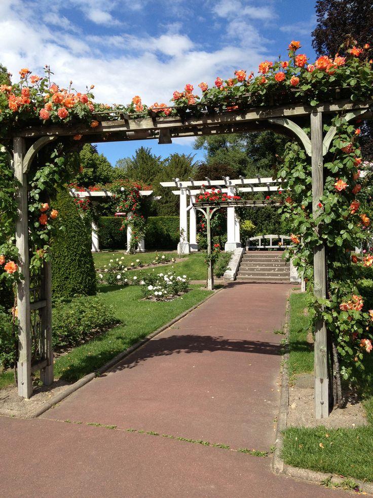 les 43 meilleures images du tableau bagatelle sur pinterest belles fleurs parc et fleurs. Black Bedroom Furniture Sets. Home Design Ideas