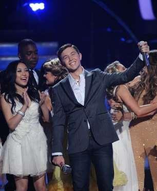 "Scotty McCreery, Season 10 winner of ""American Idol"" .  -  © FOX"