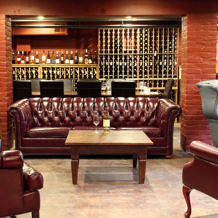Red Room Lounge - A wine bar giving you an unmarked, underground speakeasy for the consumption of vinos by the glass