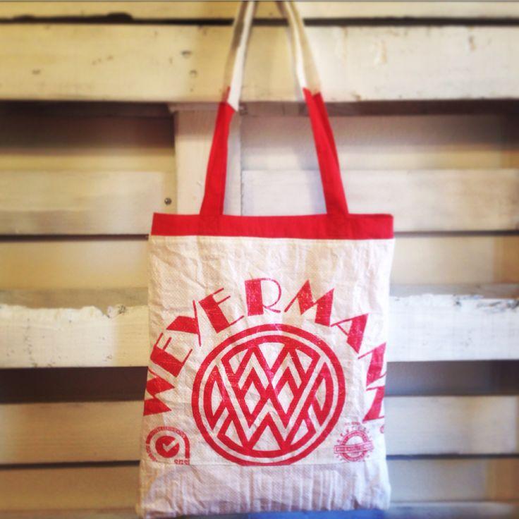Shopper bag cucito a mano con sacco di malto per birra artigianale #elisacaruso #riciclo #craft #ooak #beer