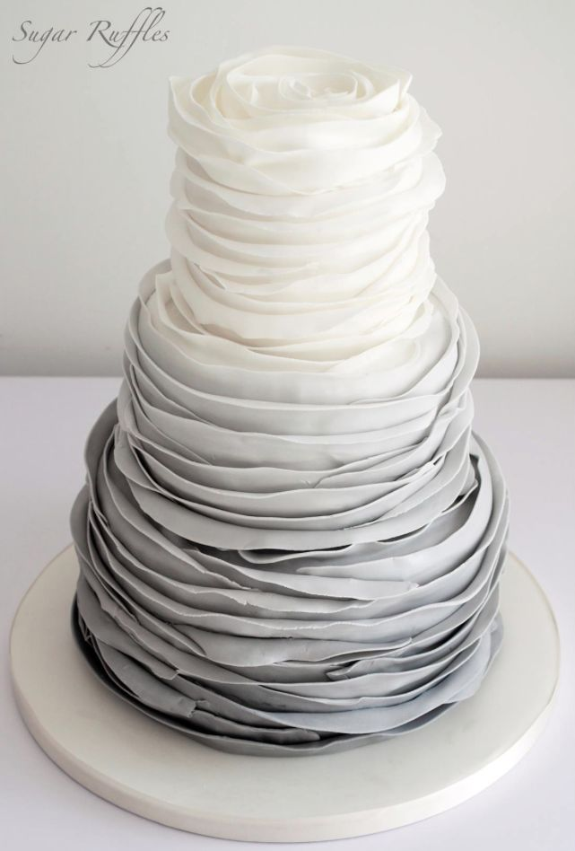 Delicate Wedding Cakes from Sugar Ruffles. To see more: http://www.modwedding.com/2014/05/05/delicate-wedding-cakes-inspiration/ #wedding #weddings #cake / Pin curated by Pretty Planner Weddings & Events www.prettyplannerweddings.com /