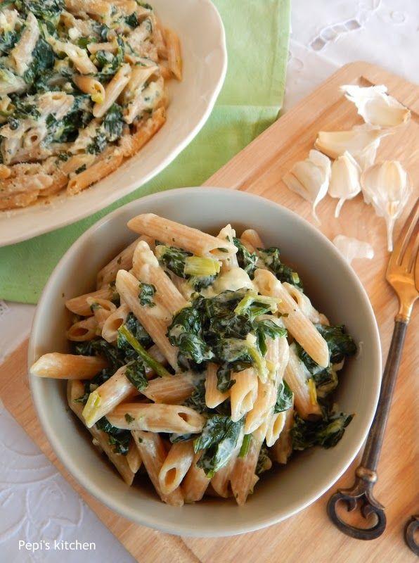 Πένες ολικής αλέσεως με σπανάκι και γιαούρτι http://www.pepiskitchen.blogspot.gr/2014/01/penes-olikis-aleseos-me-spanaki-kai-giaourti.html