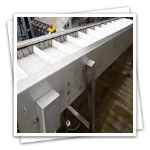 Belt conveyors are often used in the fresh vegetables or general material industry to grade prior to polishing, washing or packing. For fresh produce with a high amount of dirt, Omtech recommends the use of Inspection Table.