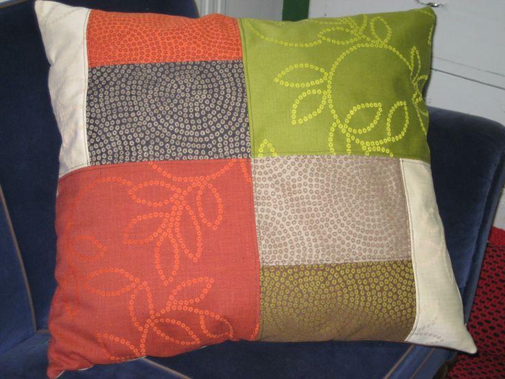 Lattiatyyny/sohvatyyny ihanista jämäkangaspaloista! 80€.