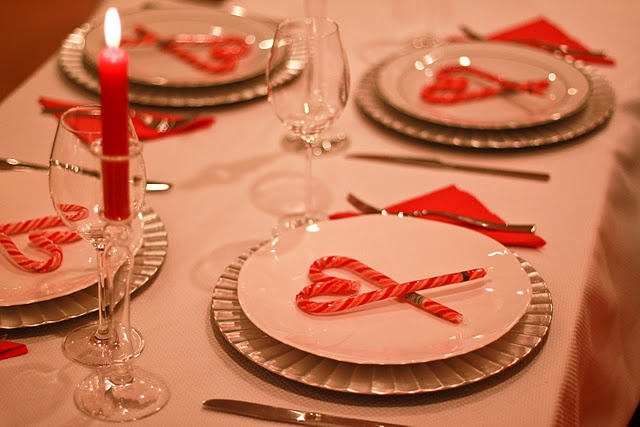 a lovely Christmas table -- oh, I love these candy cane hearts!