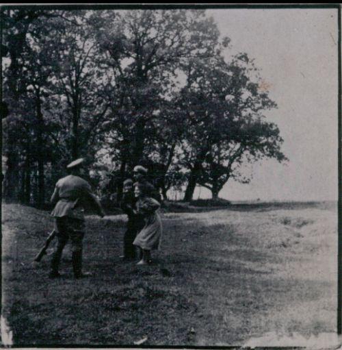 einsatzgruppen nazi indoctrinated killer squad The nazi einsatzgruppen began the world war ii's most closely guarded killing squad: nazi germany's einsatzgruppen the soviet's deadly tank killer.