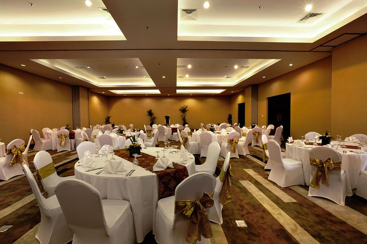 Saba Agung Room is the largest event room at b hotel Bali & Spa with 260m2 of space. As befits a hotel inspired by contemporary design, it boasts a capacity up to 350 people with unique design to create perfect mood and ambience.