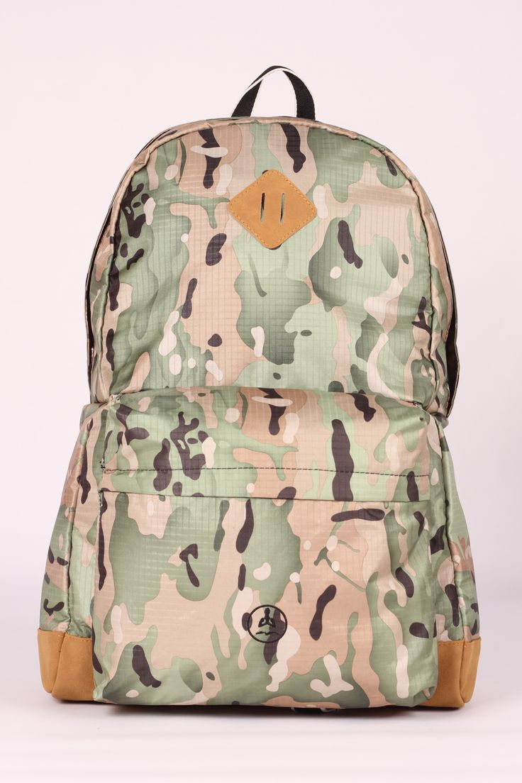 In a few steps it changes from backpack to shoulderbag.