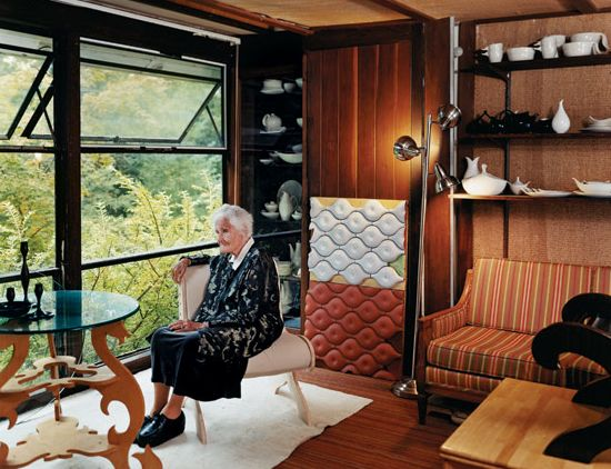 eva zeisel at home, via tile envy.: Lounges Chairs, At Home, Studios, Eva Zeiselel, Window, Eva Zeisel El, Furniture Design, Early Prototyp, Evazeisel
