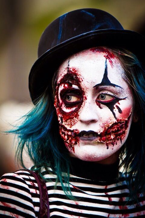 Zombie Mime Artist! Great idea for Hallowe'en! #halloween