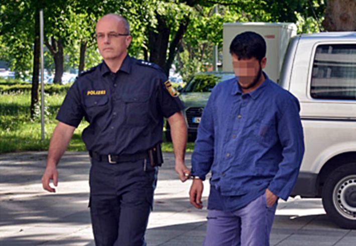 Muzułmanin zgwałcił Niemkę: to co jej robił przyprawia o wymioty