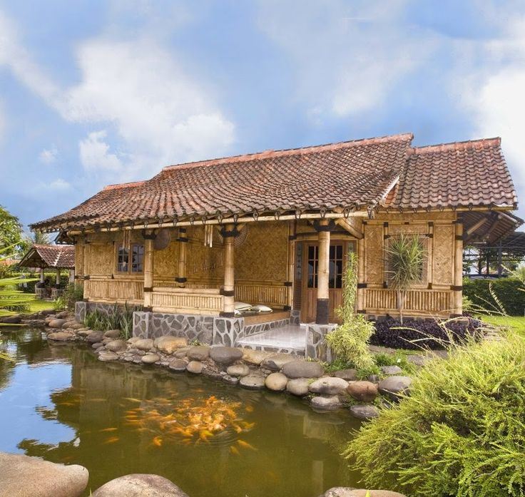 bamboo house with a beautiful fish pond is a dream home for me. the bale-bale (gazebo) overlooking the fish pond will create a fresh atmosphere.