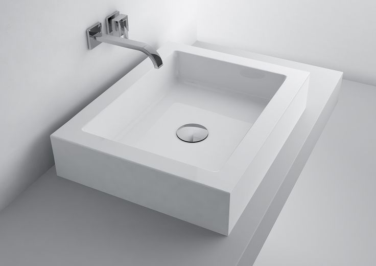 The beginning of a New Year is the perfect time to plan bathroom renovation. It is quite important to establish geometric forms in this interior, especially reflected in washbins - rectangular or square, with sharp lines and cubist block. They successfully replace the traditional bathroom ceramics, allowing you to create a minimalist and modern spaces.  Początek nowego roku to doskonały moment na zaplanowanie remontu łazienki. W tym ważnym wnętrzu na dobre już zadomowiły się geometryczne…