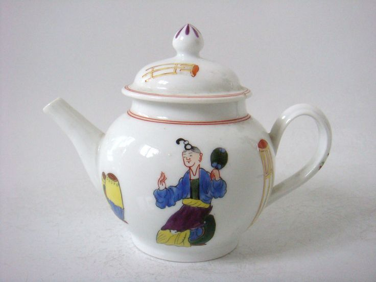 PLYMOUTH PORCELAIN SUPERB CHINOISERIE FIGURES PAINTED TEAPOT - TIN MARK C1770 THE BASE HAS THE CHEMICAL SYMBOL FOR TIN WHICH WAS USED AT THE FACTORY. MEASURES 4.8'' INCHES HIGH AND 6.5'' INCHES WIDE. £774