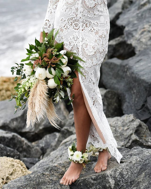 4. Dream Bouquet with Pampas Grass  #rebeccaingramcontest #fijiairways #yasawaislandresort