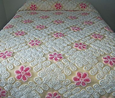 Vintage Chenille Bedspread Coverlet with Popcorn Fringe 89x97