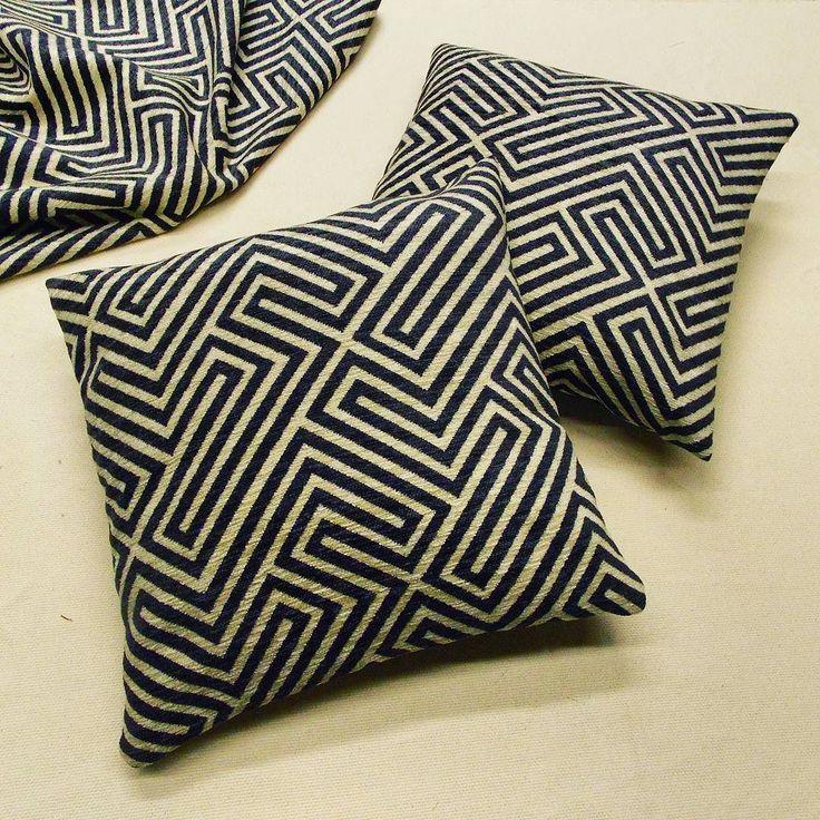 Cuscini decorativi realizzati con tessuto della nuova collezione Jacquard #arredo #arredamento #cuscini  #tessuto #tappezzeria #jacquard #pillow #cushion