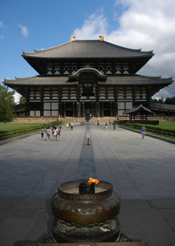 Another look at Todai-ji, a temple complex, in Nara.  This was largest wooden structure in the world until 1998, and was supposedly even bigger before it was rebuilt following the Taira attack in 1180, during which the Taira burned down almost every temple in Nara.