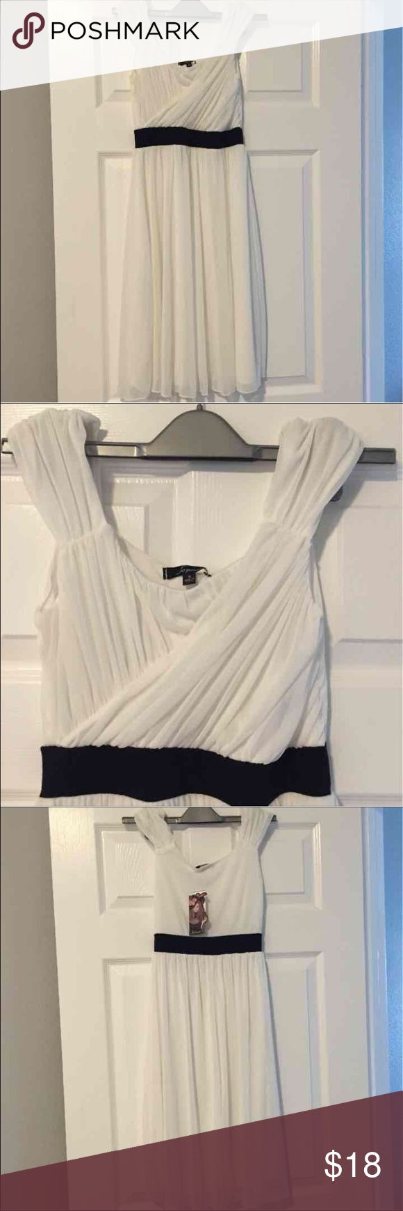 """🎉BOGO🎉 nordstrom dress buy 1 get 1 on only listings titled """"🎉BOGO🎉"""" for a special fall sale 🍁🍂 bundle your items together and i can either make you the offer or you can make me the offer, lowest price for free, no limit! BP, brand new with tags! Nordstrom Dresses"""