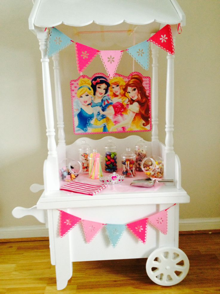 Cake Decor In Cumbernauld : 17 best images about Candy Cart on Pinterest Frozen ...