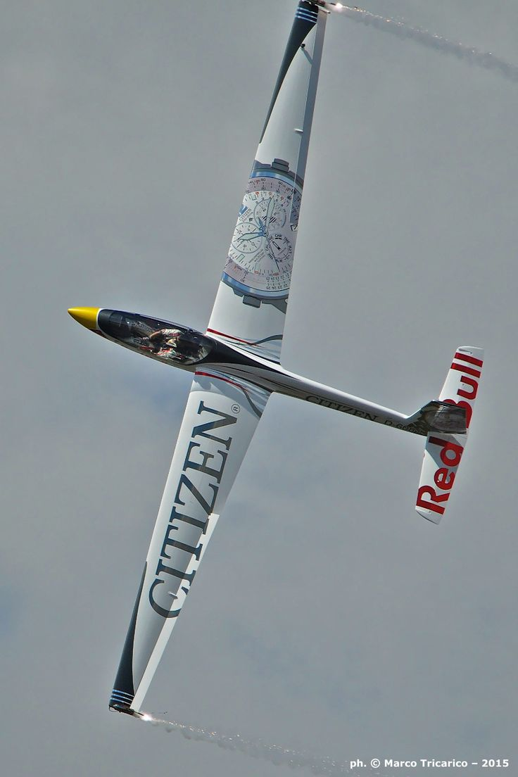 Advanced Glider's Aerobatic World Champion, Luca Bertossio, performing his display in his Swift S-1 at Athens Flying Week 2015.