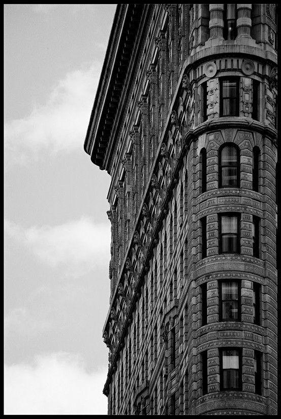 New York New YorkFlat Irons, New York Cities, Bags Tutorials, Scavenger Hunting, Flatiron Buildings, Flats Iron, The Cities, New York City, Curves