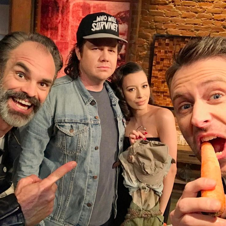 @hardwick I love this dirty minded, TWD obsessed, Talking Dead host!