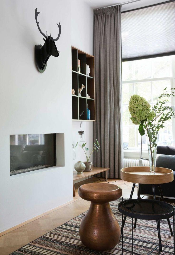 hertenkop woonkamer | deer livingroom | vtwonen 11-2016 | photography: Dana van Leeuwen | styling: Zuiver (design team)